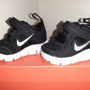 Nike shoes size 2C